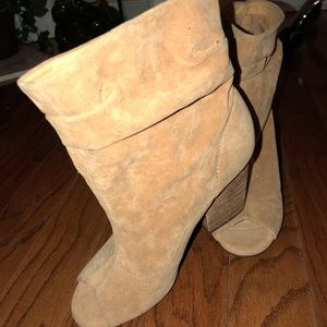 Tan Ankle Suede peep-Toe Boots